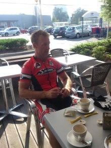 2014-07-23 Haderslev-Paris, 3. etappe i Belgia - Formiddagskaffe.