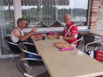 2014-07-23 Haderslev-Paris, 3. etappe i Belgia - Karbo påfyll.