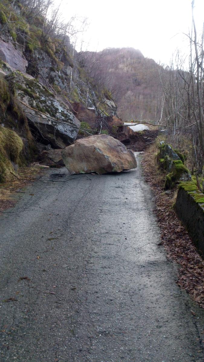 2016-02-10 - 200 km Vinter Brevet - Ras på utsiden av Dirdal tunnelen.