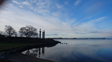 """2016-04-16 Start på 200 km Brevet ved """"Sverd i fjell"""" ved Møllebukten i Hafrsfjord."""