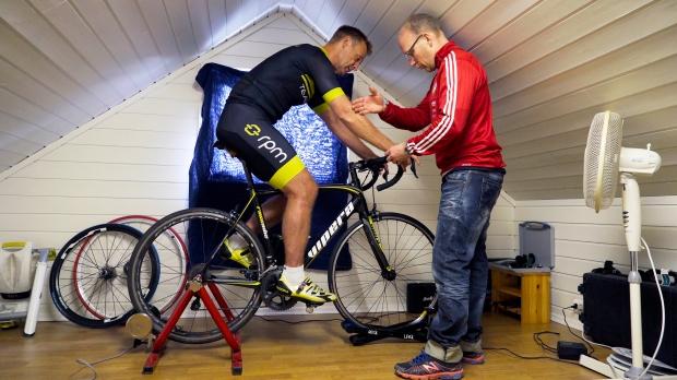 Nyttig informasjon gis under tilpasning av sykkelen.