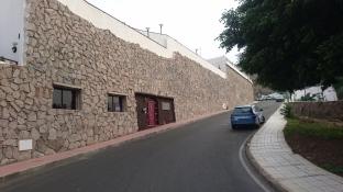 Arpartementos Granada 2 i Puerto Rico. Bak disse murene bodde vi.
